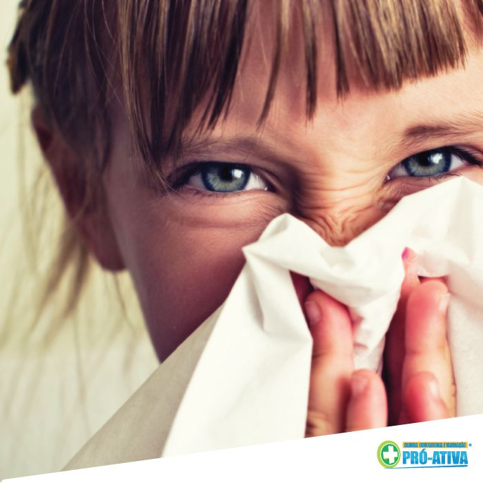 É só chegar o frio que a gripe e alergias começam a atacar :/ Se achar necessário consulte um médico, mantenha as mãos limpas e carregue um pano ou lencinho.