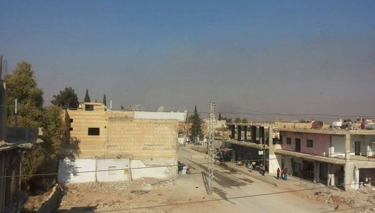 "Ledakan besar menghantam gudang senjata AS di Hasaka Suriah  HASAKA (Arrahmah.com) - Serangkaian ledakan pada Sabtu (26/11/2016) mengguncang sebuah lokasi penyimpanan amunisi di timur laut Suriah yang digunakan oleh pasukan koalisi pimpinan AS ujar kelompok pemantau.  ""Sedikitnya lima ledakan terjadi pada Sabtu pagi di gudang senjata dan amunisi di basis yang terletak dekat Tal Tamer di barat laut kota Hasaka"" ujar Direktur Observatorium Suriah untuk Hak Asasi Manusia (SOHR) Rami Abdurrahman…"