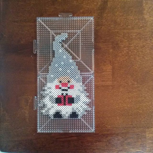 Elf Christmas perler beads by kcpopick13