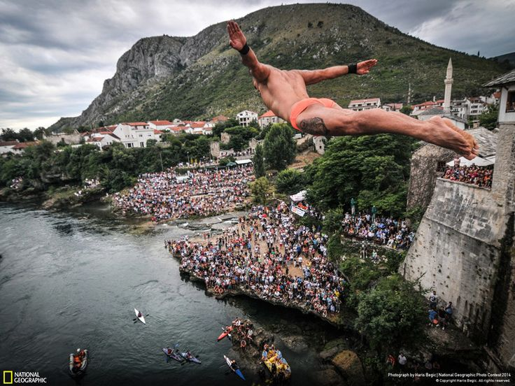 Haris Begić Traditional Mostar jumps from Old bridge
