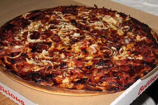 A Nostimo Pizza