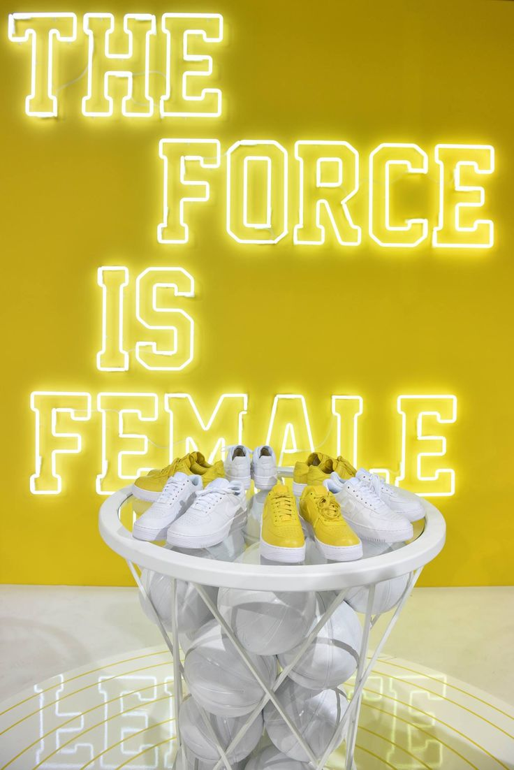 Sneakers women - Nike 'The force is female' (©️bread&butter)