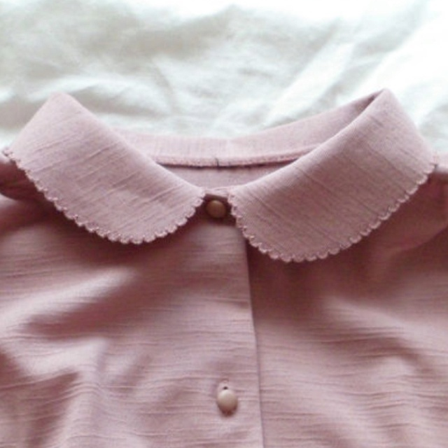 vintage blouse w pretty peter pan collar