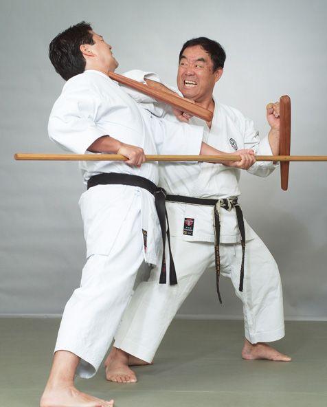 Karate: golpes y defensas con codo y antebrazo 4e3e1bbdf8ed1854af3d99417c723c93--martial-arts-weapons-black-belt