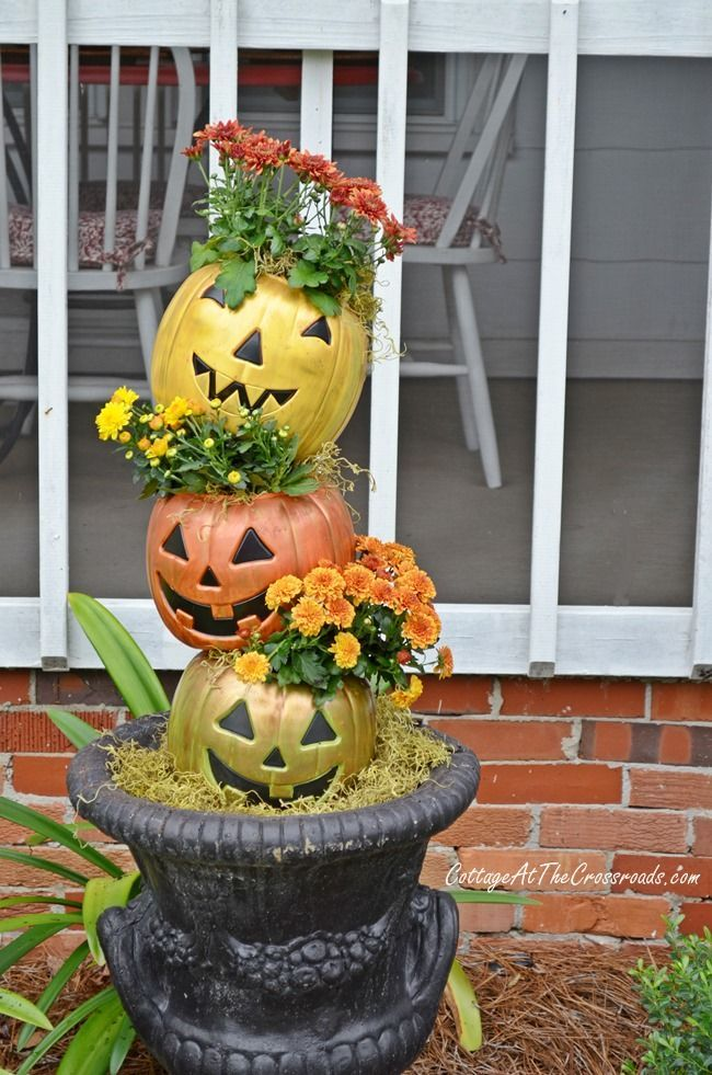 1000 images about halloween fall pots on pinterest for Cheap fall decorations for outside
