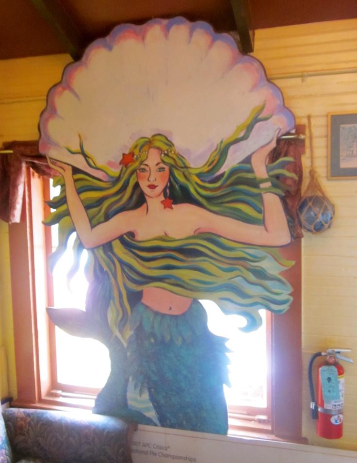 Sign of the Mermaid Restaurant, Anna Maria Island (© 2013 Susan Ashley Michael)