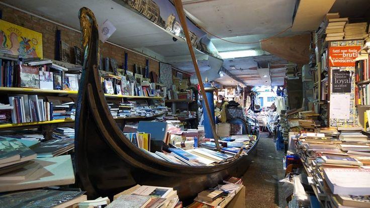 """Libreria """"Acqua Alta"""", Venezia, Italia"""