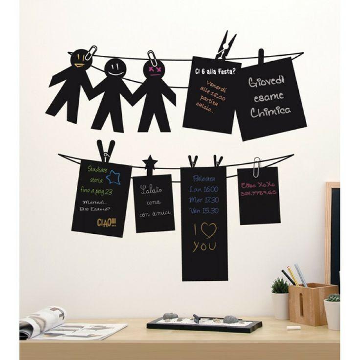 Nome: Black Notes - Materiale: Vinile Autoadesivo Lavagna -  Misure: cm 65x65 -  Colore: Nero - Lavagnette adesive dalle sagome divertenti su cui scrivere e cancellare appunti, promemoria e tanto altro… Un accessorio che esalta l'elemento ludico di forme elementari e semplici rendendole originali protagoniste delle pareti bianche di spazi di studio o di lavoro. #lavagna #stickers