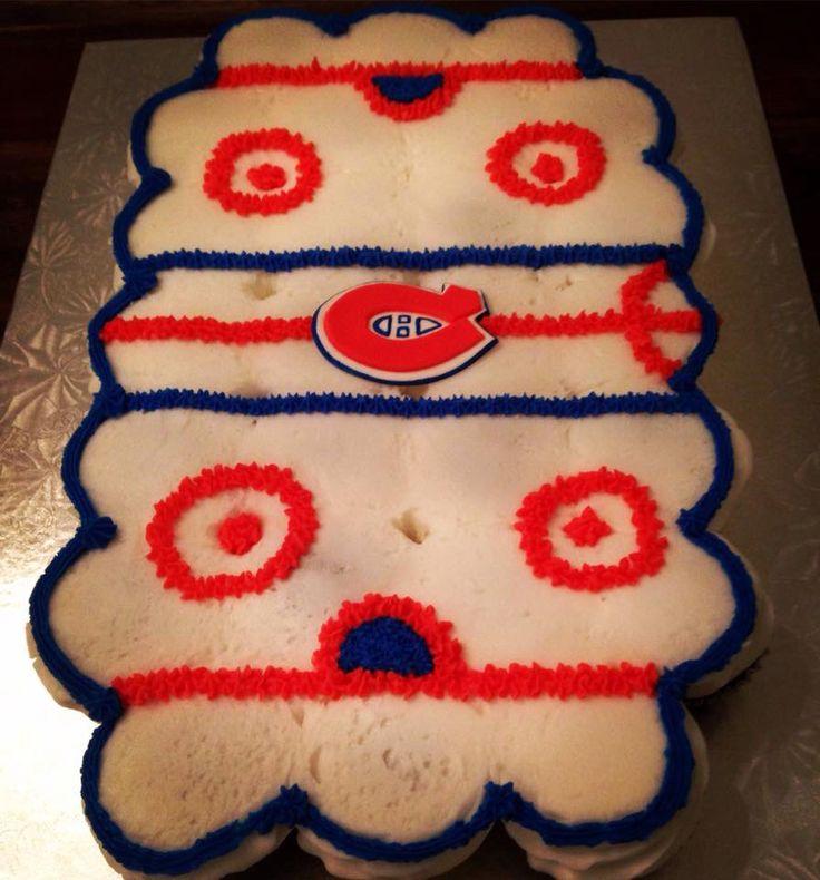 Hockey rink cupcake cake