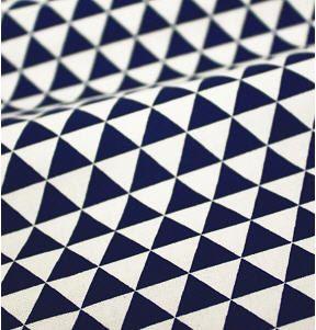 Tissu coton marine Mini Triangles tissu géométrique  par landofoh