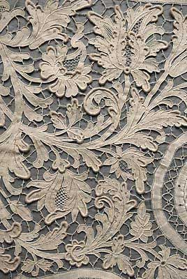 ⌖ Linen & Lace Luxuries ⌖ Antique ivory bobbin and needle lace panel