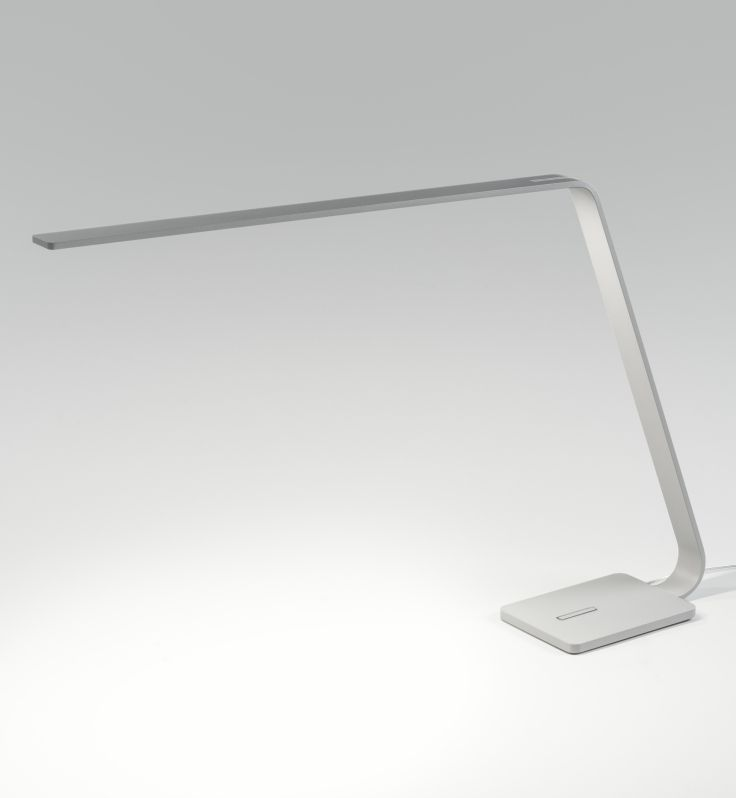 Lama A distinctive Italian LED table lighting. Take a look. #QualityDesignerLighting