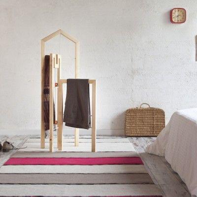 les 25 meilleures id es de la cat gorie valet de chambre. Black Bedroom Furniture Sets. Home Design Ideas