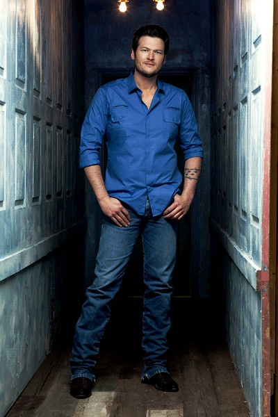 Blake Shelton, do nice and casual looking.