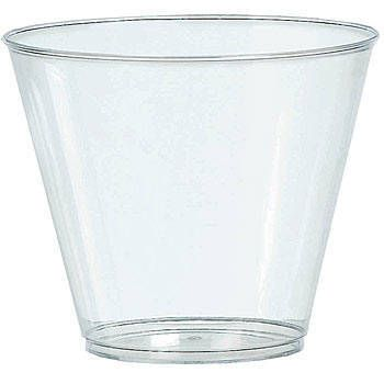 The Clear Plastic 9 oz Tumblers Value Pack is perfect for large parties whether you're serving cocktails, punch or any other cold beverage.