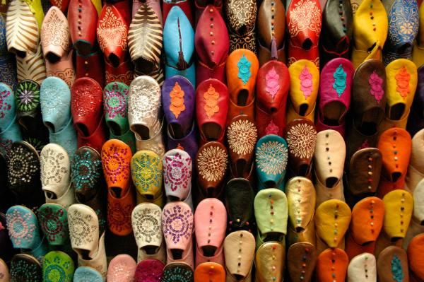 Google Image Result for http://pinksalamander.files.wordpress.com/2011/08/moroccan-babouches.jpg