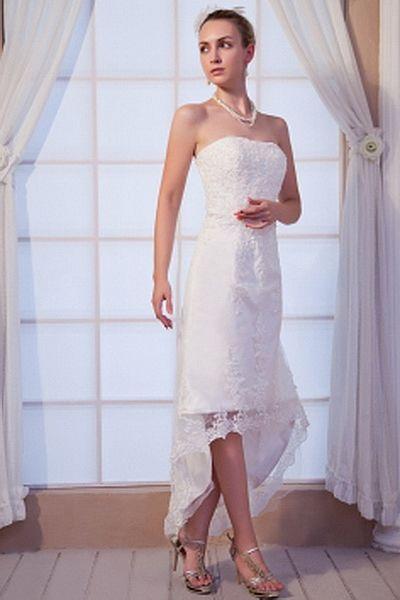 Lace Elegant Strapless Bridal Dresses wr0144 - http://www.weddingrobe.co.uk/lace-elegant-strapless-bridal-dresses-wr0144.html - NECKLINE: Strapless. FABRIC: Lace. SLEEVE: Sleeveless. COLOR: White. SILHOUETTE: A-Line. - 143.59