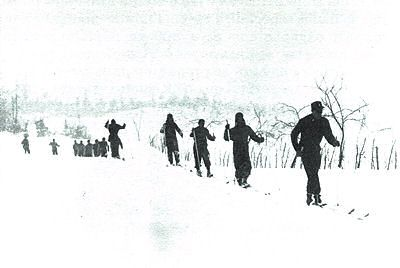 Brazilian soldiers learning to ski