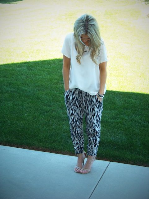 Hammer Time | Stylin' Mommies  Shirt: F21  Pants: Cotton On Shoes: Windsorestore  Necklace: F21 {loose white tee, black and white print Harem pants, heels. boho, casual, bold, comfy, simple, travel, hangout, school, party, spring or summer outfit.}