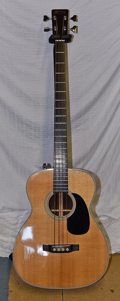 Lardy's Chordophone of the day: Martin B40E electro acoustic Bass Guitar