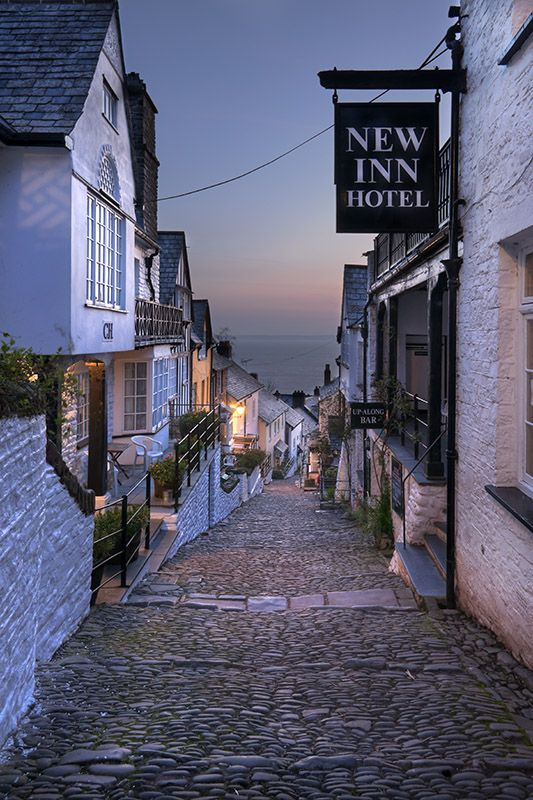 Image Number 471 Tags -> 	clovelly,north devon,high,street,sunrise