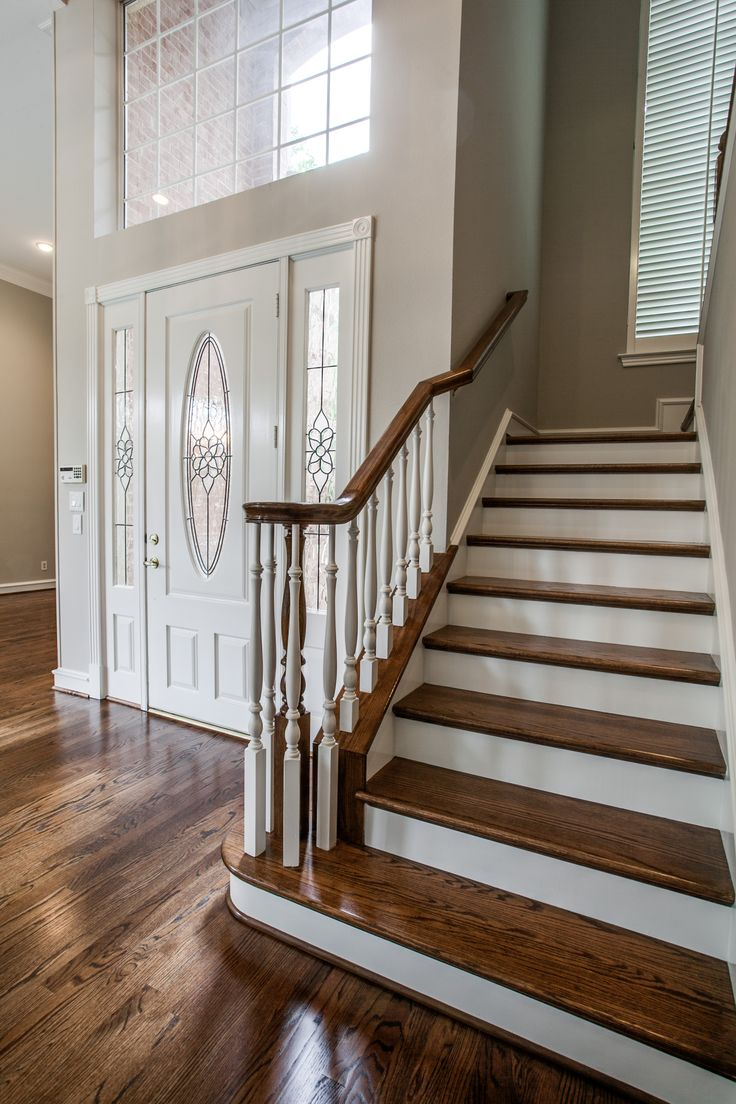 Best Hardwood Staircase Oak Steps With Paint Grade Risers 400 x 300