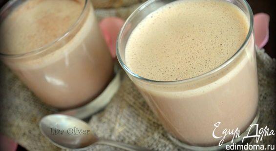 ШОКОЛАДНЫЙ ЛАТТЕ С АРОМАТОМ ВАНИЛИ400 мл молока 50 г черного шоколада 2 ст. ложки ванильного сахара 2 ч. ложки кофе (молотого из зерен, не растворимого) 120 мл воды