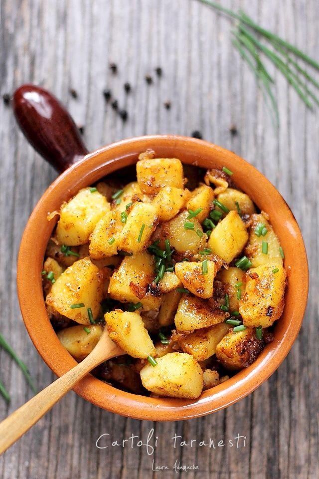 Cartofi taranesti cu ceapa si boia dulce detaliu