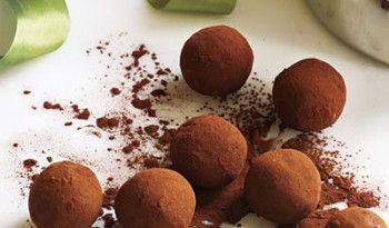 Bourbonlu Karamelli Trüf Çikolata, yapımı gayet zevkli tariflerden biri #bourbonlu #bourbon #viskili #çikolata #pratik #trüf #yapımı #sevgililer #günü #tarifi #dünya #mutfağı #tatlı #tarifi #değişik
