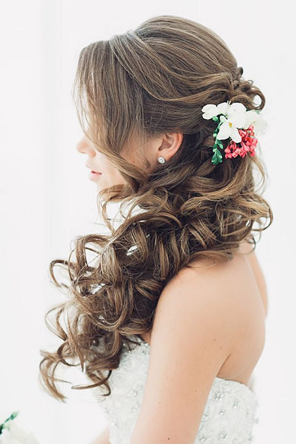 bridesmaid hair down styles 509 best images about kentucky derby theme on 2279 | 4e41c58d93584d88b0b56f5de0e858a3 down wedding hairstyles down hairstyles