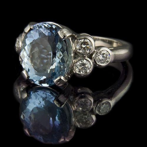 Trendy Diamond Rings   Vintage. Aquamarine and Diamond Ring. Diamantové  PrsteneVintage ŠtýlPrsteneŠperkyObrúčkyZásnubyDiamantyKabelkyŠperky ... 1d17327d08c