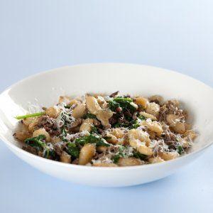 Hakket oksekød med hvide bønner og spinat opskrift
