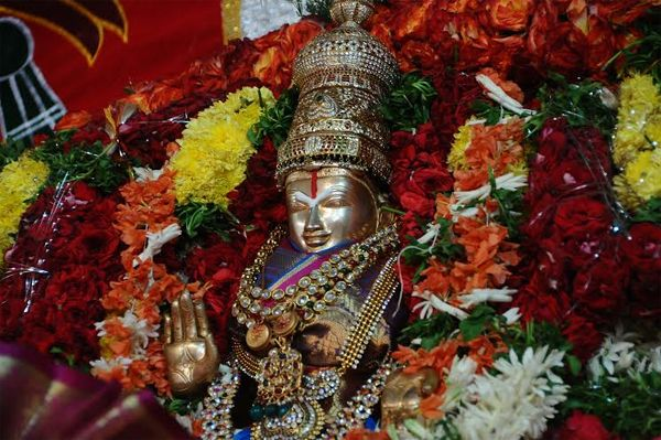 Thousands throng Ashta Laxmi Temple in Hyderabad - read complete News click here.... http://www.thehansindia.com/posts/index/2014-08-08/Thousands-throng-Ashta-Laxmin-Temple-in-Hyderabad-104470