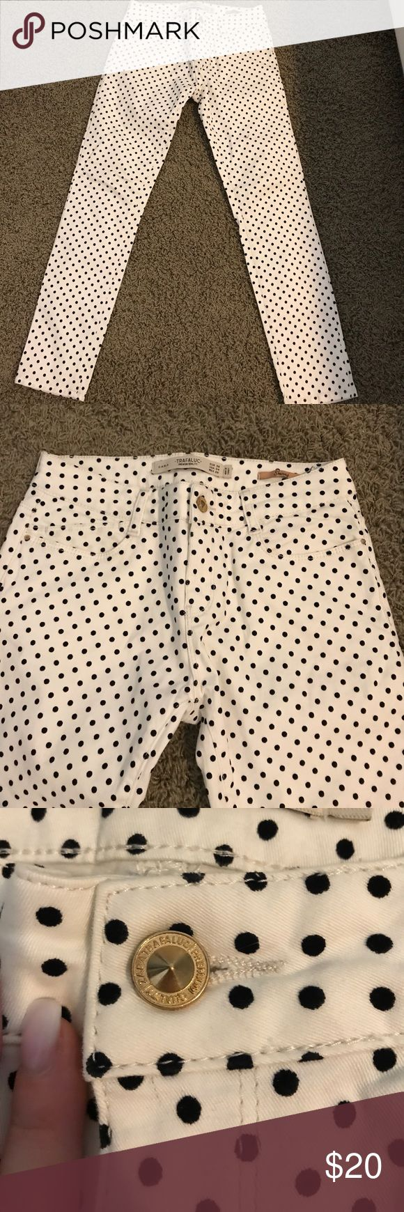 Polka Dot Pants Polka dot pants. The dots are raised and fuzzy. It zips up and buttons in the front. It has functional pockets on the front and back. They are skinny jeans. There are no signs of wear on the garment. Zara Pants Skinny