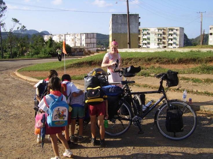 Op Cuba, met twee hoogblonde kinderen in de fietskar, waren we echt een fietsende attractie! Zeker een aanrader om met kinderen op fietsvakantie te gaan in Cuba!