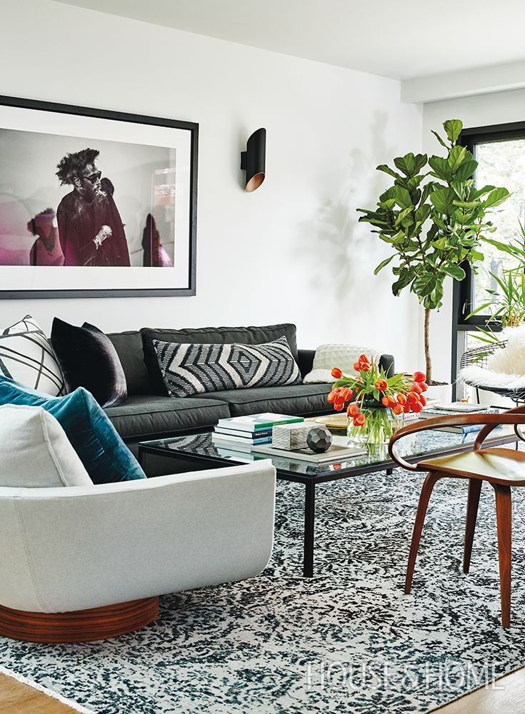 Designer Shirley Meisels of MHouse brought a 75-year-old home back to life with sleek finishes, a light-filled open-concept floor plan and mid-century modern decor that wows. | Photo: Stacey Brandford