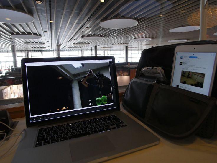 """Arata in Firenzeさんのツイート: """"出来ない人なのに実はひらくPCバッグユーザーです。あと動画comming soonです。コペンハーゲン空港のラウンジでスープ上手すぎて5杯目いただきながら。 https://t.co/yEWH1TZ3gT"""""""