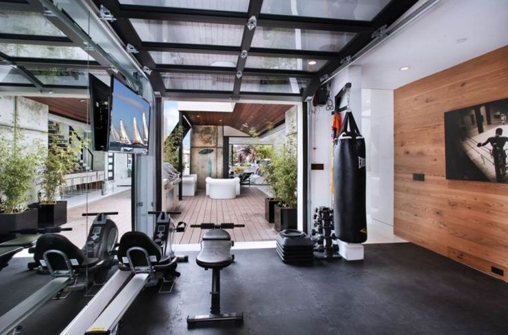 les 25 meilleures id es de la cat gorie salles de sport sur pinterest chambres d 39 exercices. Black Bedroom Furniture Sets. Home Design Ideas