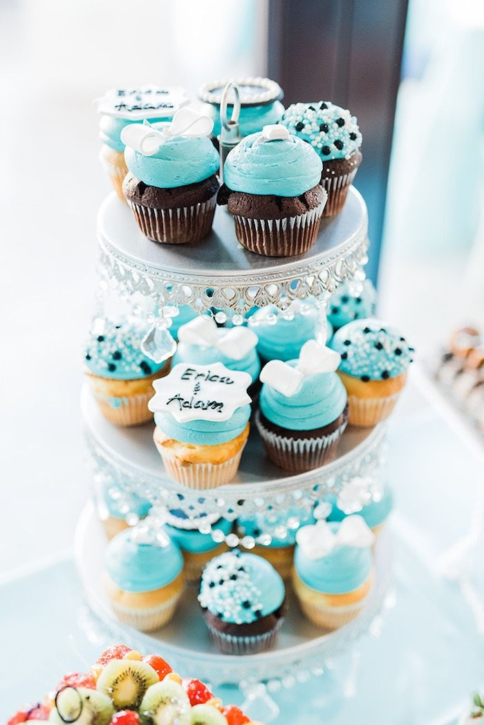 d96d6e647399 Cupcakes from a Tiffany   Co. Bridal Shower on Kara s Party Ideas