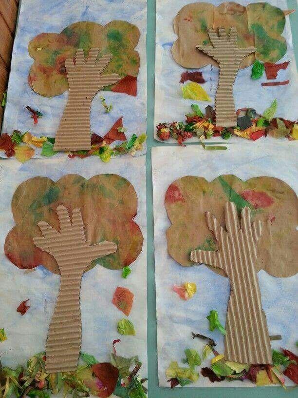 OPEN THE DOOR: di Manuela Forlì: < l'autunno e i suoi colori...questo l'hanno fatto i miei bambini!!! :) :) :) >   Il cartoncino ondulato che si trova in tante confezioni dei biscotti, tinto con il caffè potrebbe andar proprio bene!!!  ;)