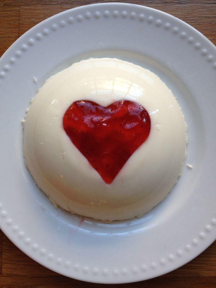 Panna cotta con cuore di marmellata