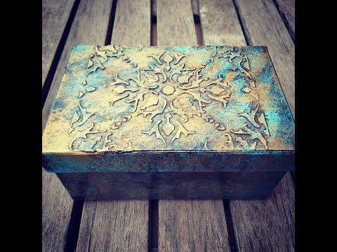 Cómo reciclar y decorar una caja con pasta de relieve casera y pátinas - YouTube