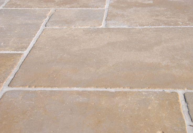 Carrelage en pierres naturelles beige pour dallages et sols, Pierre naturelle Montfort