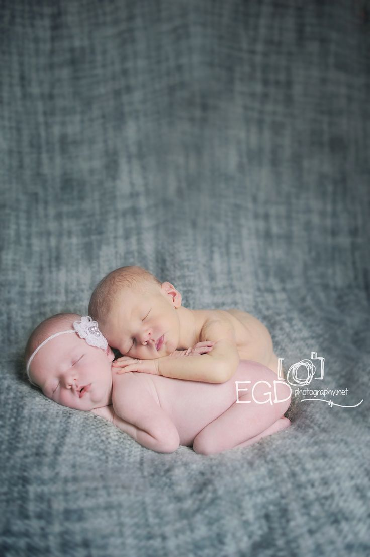 Twins. Newborn photography Jacksonville FL www.EGDphotography.net