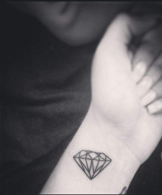 #my #diamond #tattoo #meaning #small #black #white #wrist #nails