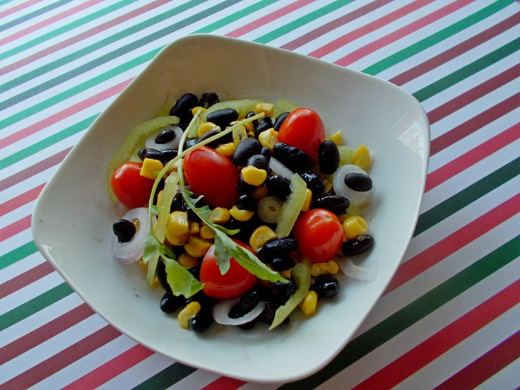 Σαλάτα+μαύρα+φασόλια,+καλαμπόκι+(Κούβα)