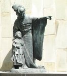 Statue in Nagasaki of Madama Butterfly and her young son.