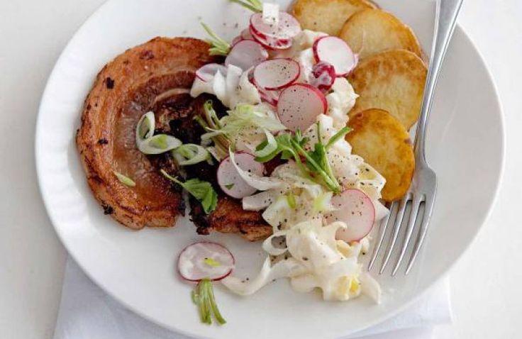 Speklap met witlof-radijssalade