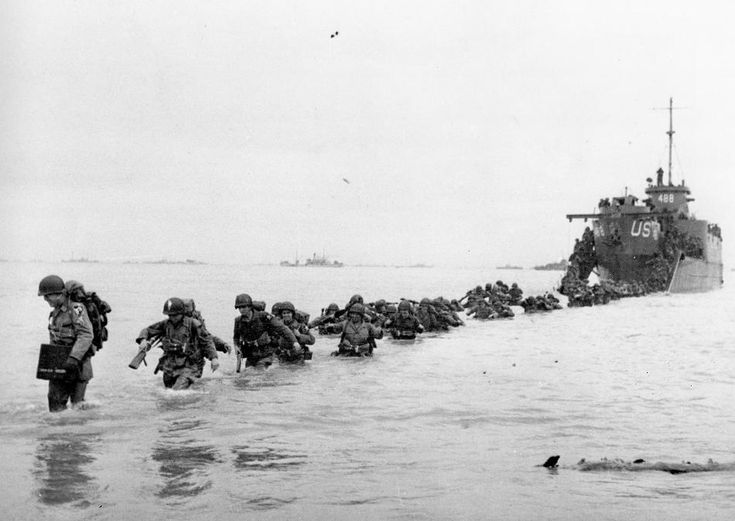 D-Day Normandy » The 1944..Walking up to the Beach