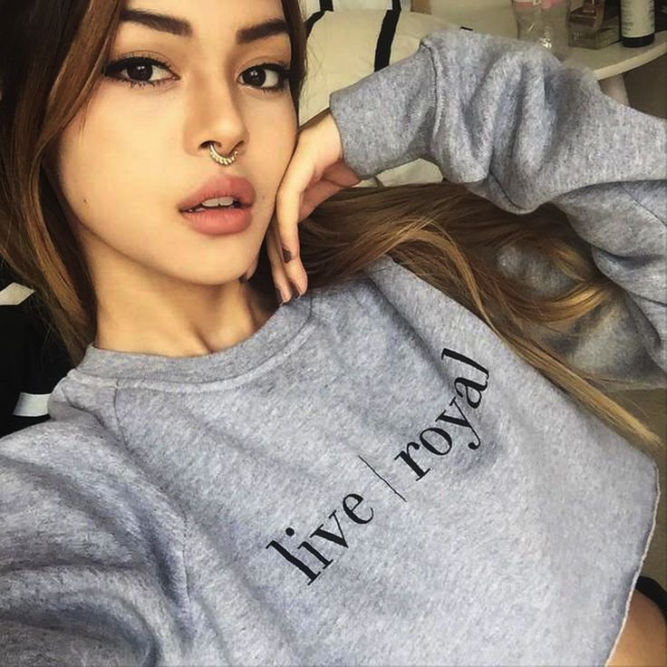 Lily Maymac in our Grey Heavy Sweat   #fashion #graphic #longsleeve #lilymaymac #jumper #sweater